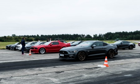 Ford Mustang Mach-E na Mustang Race 2021