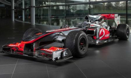 Bolid F1 Lewisa Hamiltona na aukcji