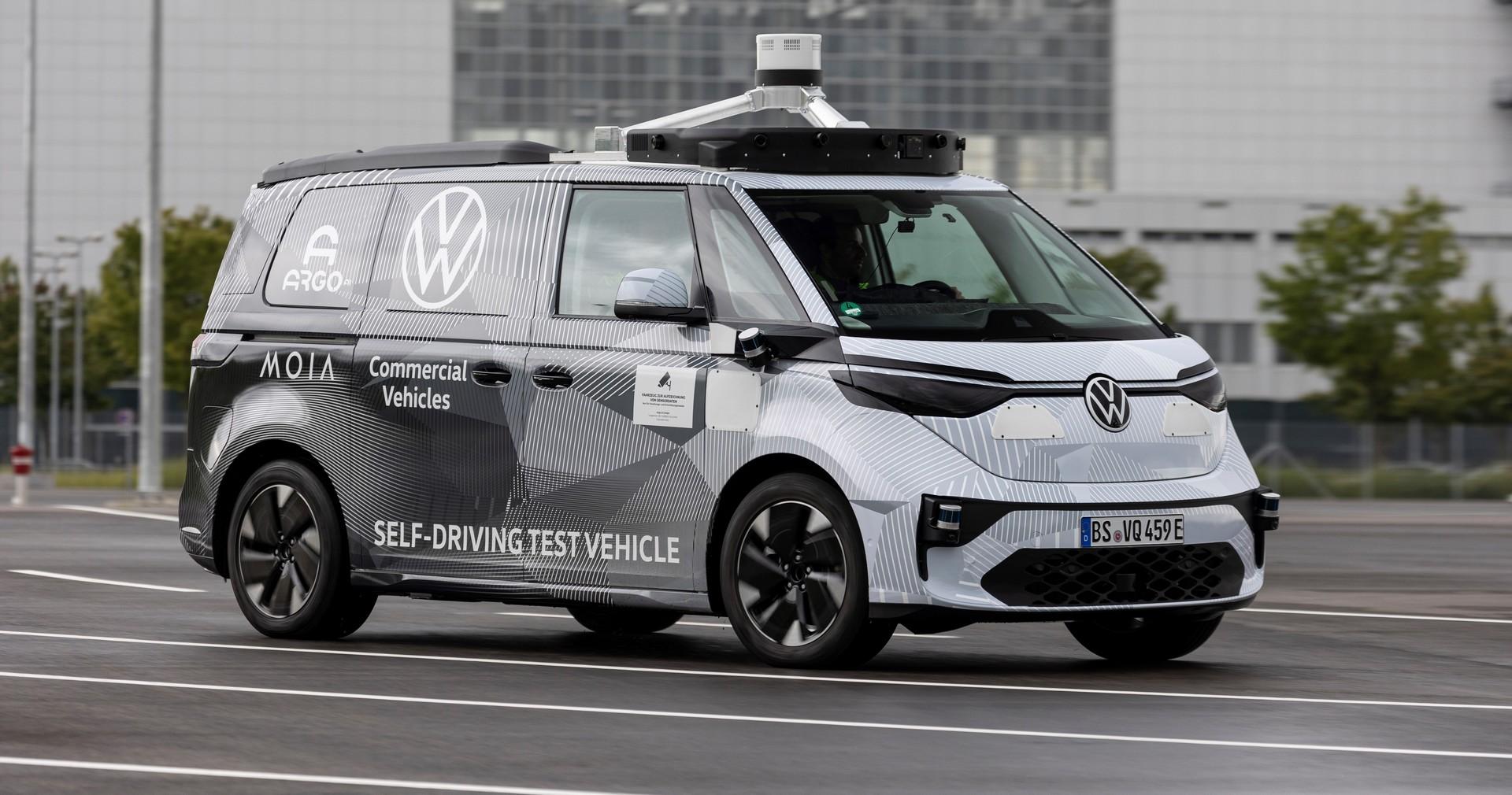 VW ID. Buzz AD – Cicho i bez kierowcy