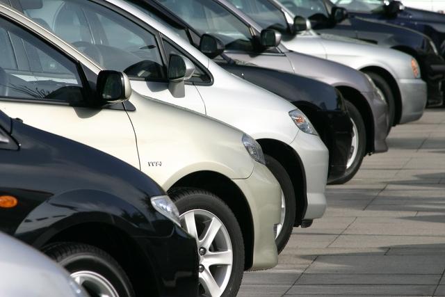 63 proc. kierowców może przepłacać za swoją polisę OC nawet do 712 zł