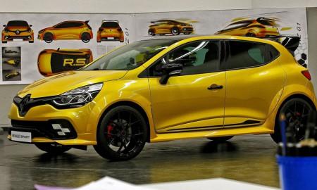 Renault Clio RS16 – zawieszone?