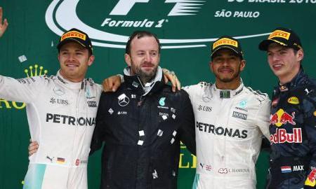 Trzecia z rzędu wygrana Hamiltona
