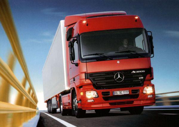 Kierowcy ciężarówek coraz rzadziej uczestnikami wypadków