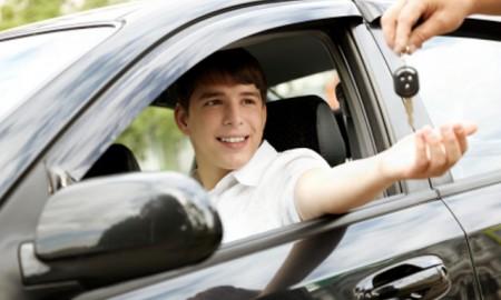 Młodzi kierowcy spowodowali w 2015 roku ponad 5,5 tys. wypadków