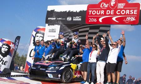 Sebastien Ogier triumfuje w Rajdzie Francji