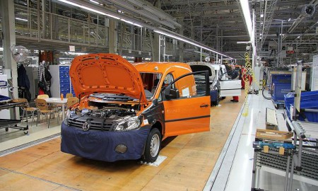 VW zatrudnił w nowej fabryce w Polsce 1,2 tys. osób