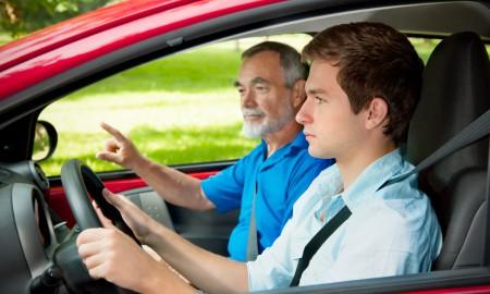 Młodzi kierowcy i tańsze OC?