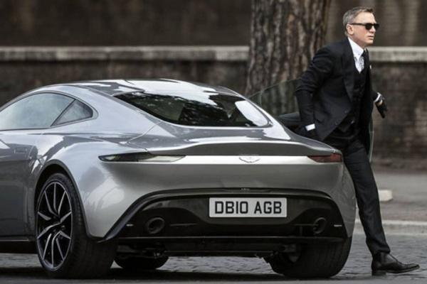 Czy Bonda stać na ubezpieczenie swoich samochodów?