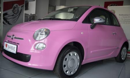 Unikatowy różowy Fiat 500 od Barbie