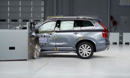 Volvo XC90 zwycięzcą trudnego testu IIHS
