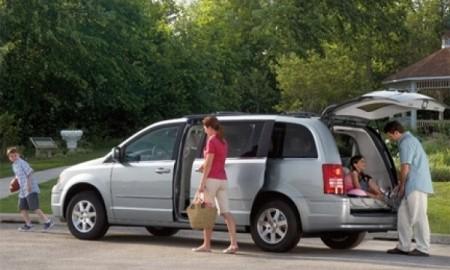 6 na 10 Polaków na wakacje pojedzie samochodem
