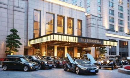 BMW i8 we flocie The Peninsula Shanghai