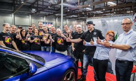 Polacy pobili rekord Guinnessa w zmianie koloru auta!
