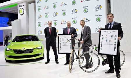 Skoda na zielonych koszulkach Tour de France i La Vuelta