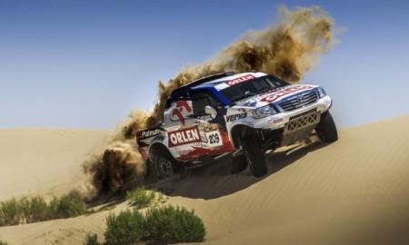 Mocna reprezentacja Polski w Abu Dhabi Desert Challenge