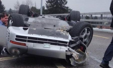 Porsche 959 na mokrej nawierzchni w Genewie…
