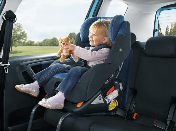 Nowe zasady przewożenia dzieci w samochodach