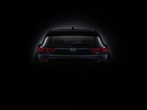 new_generation_hyundai_i30_teaser_rear jpg